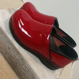 Gorgeous Like New Red Dansko Size 37